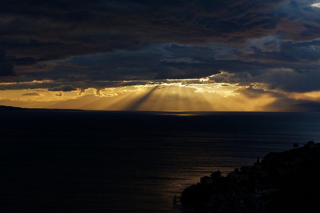 Lumière douce sur paysage divers